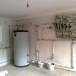 Detaliu camera centralei boiler ACV 600 litri si distribuitor instalatie termica.